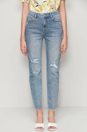 Distressed Tapered Ankle Jeans