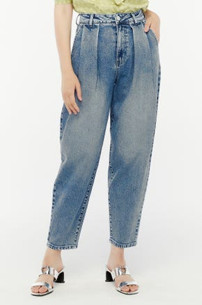 Pleated Baggy Jeans